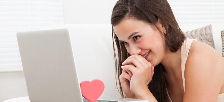 Girl Dating Online