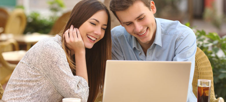 Online dating tips to score a first date